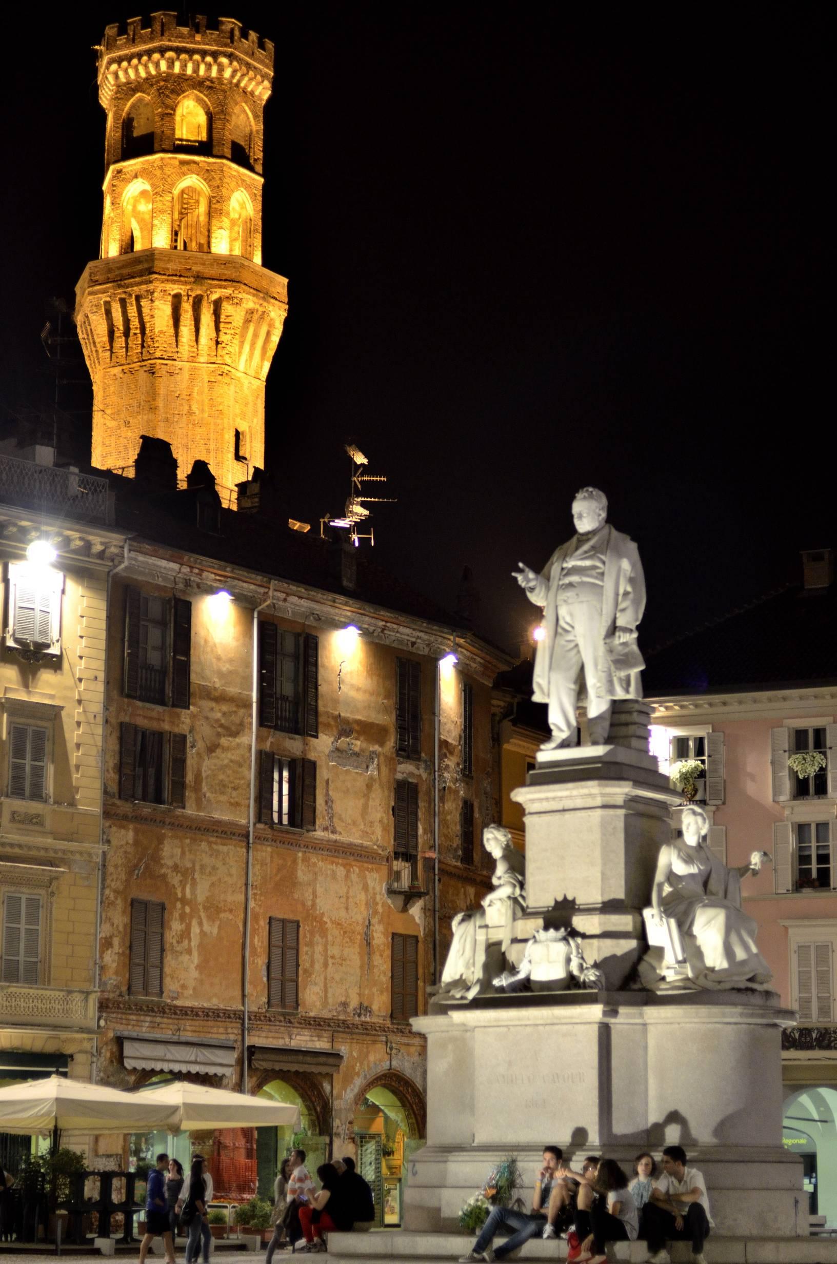 PiazzaCavour_Vercelli