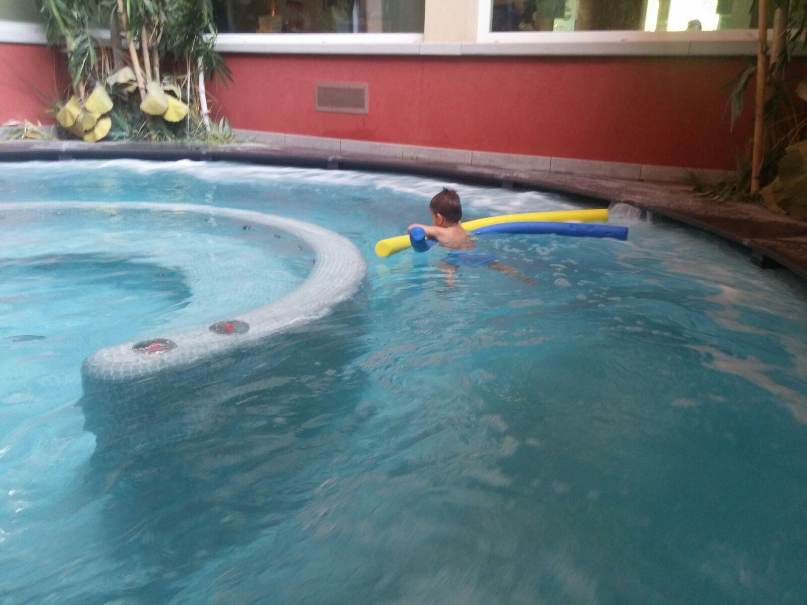 Spa-bambini-piscina-idromassaggio