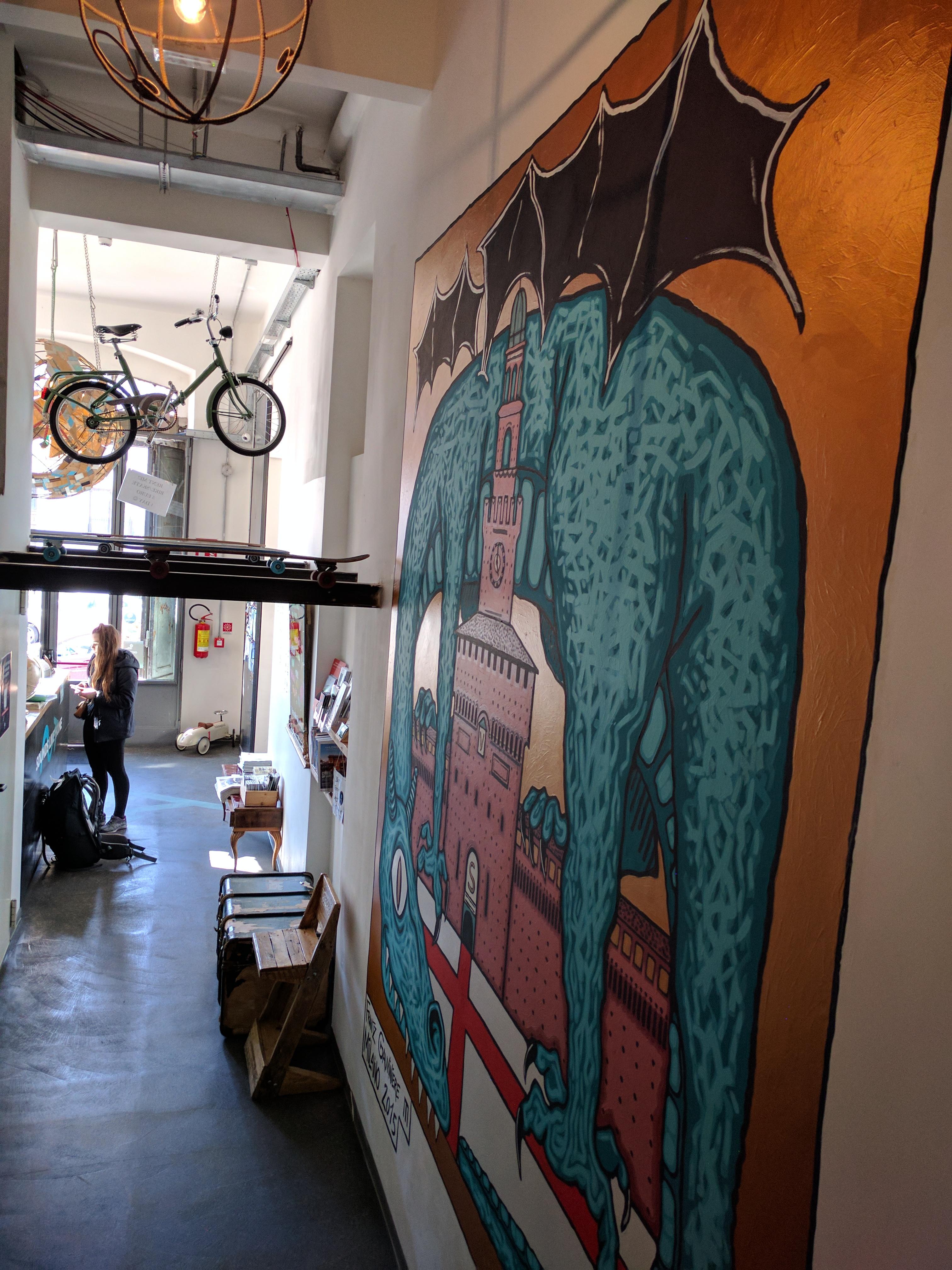 Madama Hostel murales
