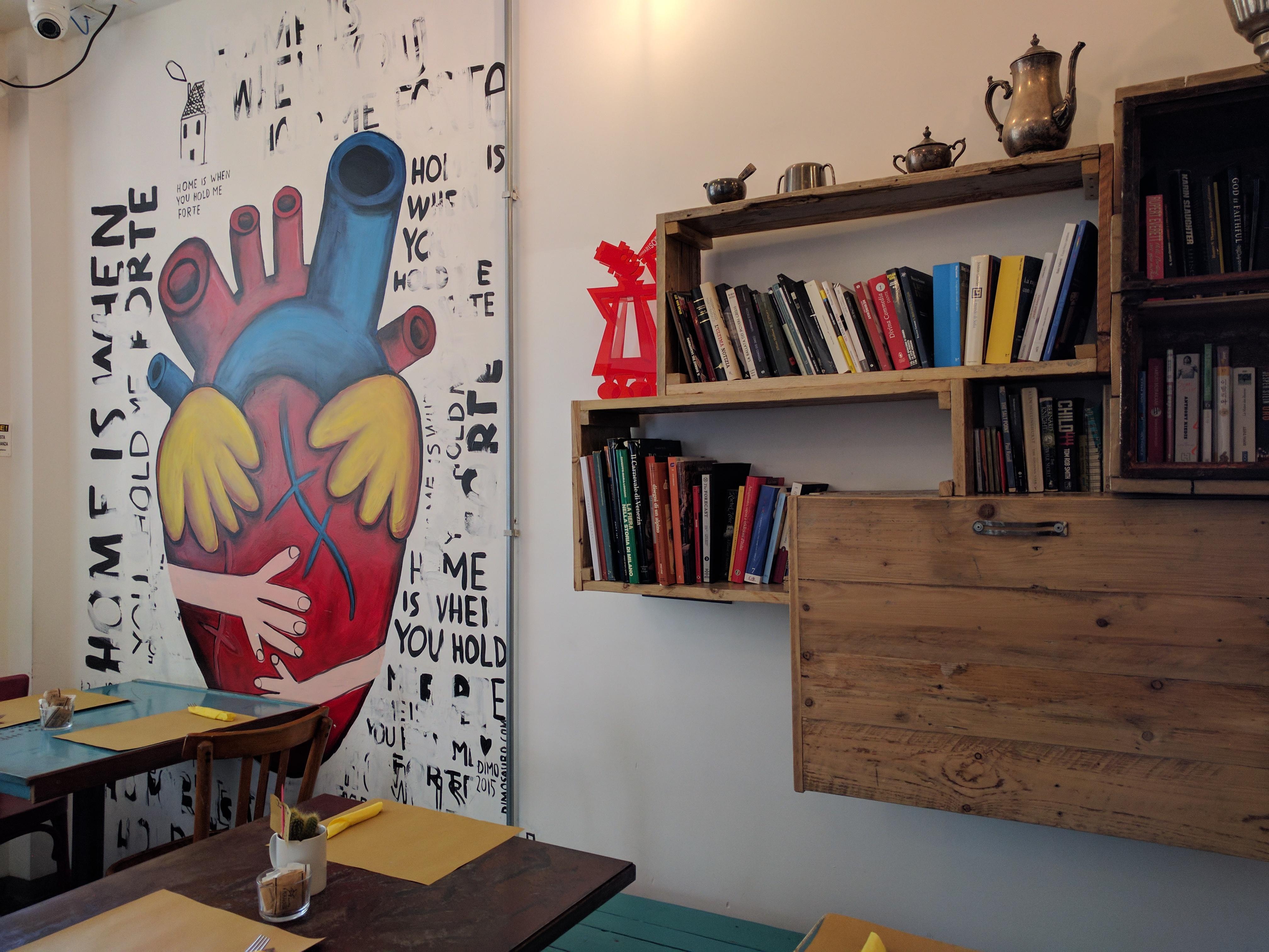 Madama Hostel Libreria