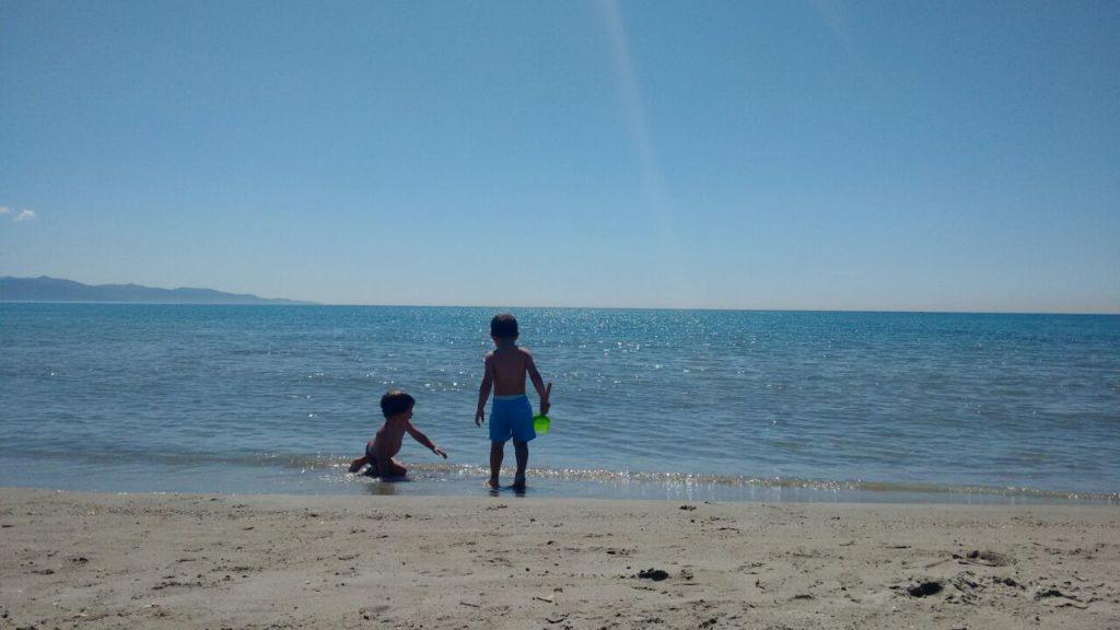 Cagliari bambini Poetto