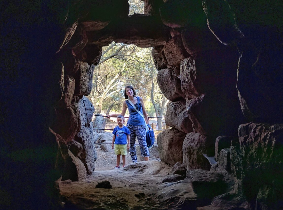 Nuraghe bambini Sardegna